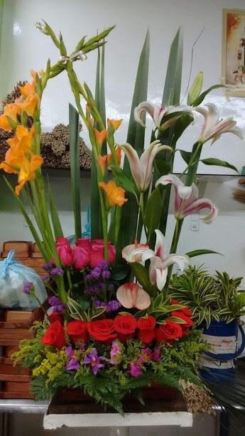Arreglo Floral Con Anturios Gerberas Exotico Floristeria